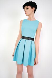 6d85c1bfea Niebieska sukienka sukienki.pl bez rękawów z okrągłym dekoltem mini