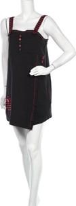 Sukienka Lea H. na ramiączkach z okrągłym dekoltem