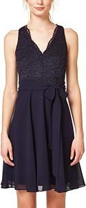 Sukienka amazon.de mini rozkloszowana z dekoltem w kształcie litery v
