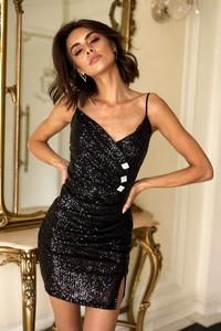 Sukienka Popatu na ramiączkach z dekoltem w kształcie litery v
