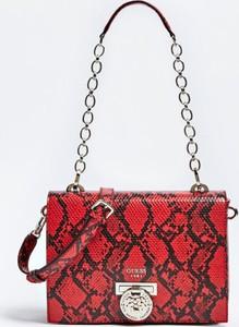 Czerwona torebka Guess z bawełny