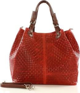 Czerwona torebka MAZZINI ze skóry w wakacyjnym stylu