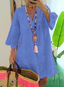 Niebieska sukienka Sandbella mini z długim rękawem