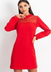 Czerwona sukienka Sheandher.pl z kołnierzykiem mini