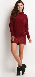 Czerwona sukienka Awama z długim rękawem mini z tkaniny