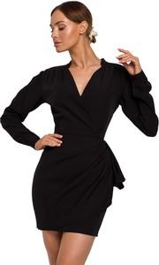 Czarna sukienka Made Of Emotion z dekoltem w kształcie litery v mini z długim rękawem