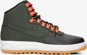 Zielone buty zimowe Nike w sportowym stylu
