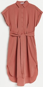 Czerwona sukienka Reserved midi