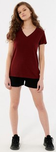 Czerwona bluzka Outhorn w sportowym stylu z dekoltem w kształcie litery v