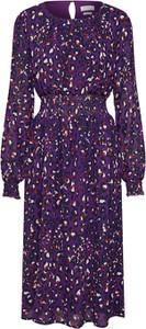 Fioletowa sukienka Rich & Royal w stylu casual z długim rękawem z okrągłym dekoltem