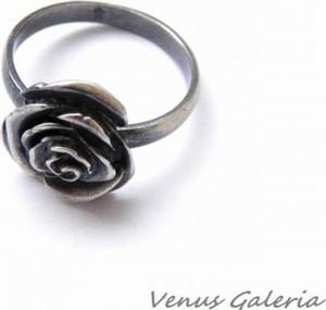 Venus Galeria Pierścionek srebrny - Czarna róża mała