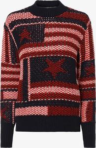 Sweter Tommy Jeans z nadrukiem