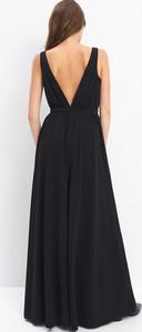 Czarna sukienka Mohito maxi z dekoltem w kształcie litery v