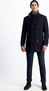 Granatowy płaszcz męski Lavard z wełny