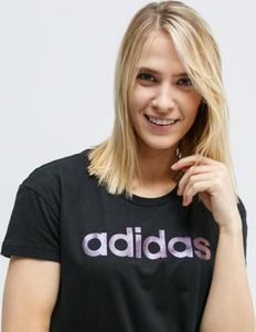 T-shirt Adidas z okrągłym dekoltem