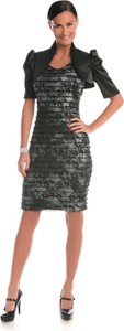 Sukienka Fokus dopasowana midi