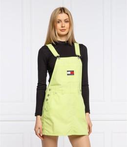 Zielona sukienka Tommy Jeans prosta mini z długim rękawem