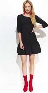 Czarna sukienka Makadamia z okrągłym dekoltem