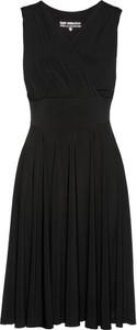 Czarna sukienka bonprix bpc selection bez rękawów midi na co dzień