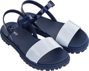 Sandały Zaxy w stylu casual z klamrami