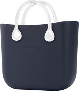 Granatowa torebka O Bag do ręki w wakacyjnym stylu
