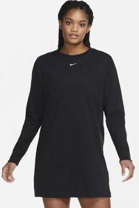 Sukienka Nike z długim rękawem w sportowym stylu