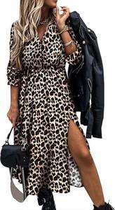Sukienka Cikelly prosta w stylu casual z długim rękawem