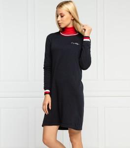 Czarna sukienka Tommy Hilfiger prosta w stylu casual