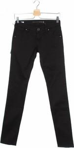 Czarne jeansy Re-Hash w street stylu
