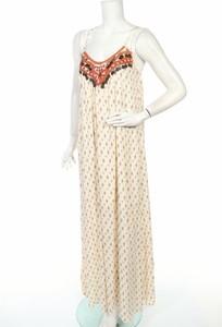 Sukienka Anany maxi z dekoltem w kształcie litery v na ramiączkach