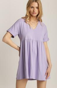 Fioletowa sukienka Renee w stylu casual z dekoltem w kształcie litery v