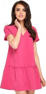 Różowa sukienka Ooh la la z dekoltem w kształcie litery v mini z krótkim rękawem