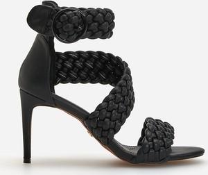 Sandały Reserved z klamrami na szpilce