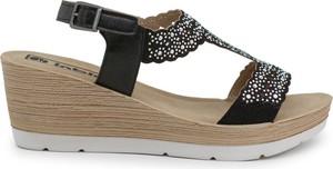 Czarne sandały Inblu w stylu casual z klamrami