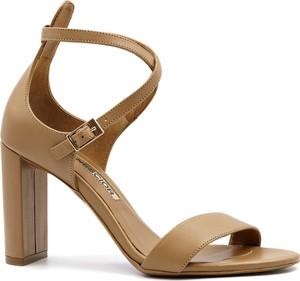Brązowe sandały Neścior na wysokim obcasie na obcasie w stylu klasycznym