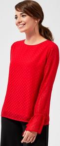 Czerwona bluzka Moodo z okrągłym dekoltem w stylu casual