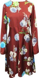 Czerwona sukienka Acne w stylu casual mini z okrągłym dekoltem