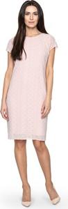 Różowa sukienka POTIS & VERSO z okrągłym dekoltem