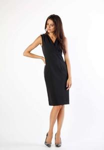 Czarna sukienka Nommo bez rękawów dopasowana midi