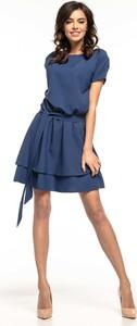 Niebieska sukienka Tessita z krótkim rękawem rozkloszowana