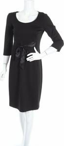Czarna sukienka Mania z długim rękawem z okrągłym dekoltem
