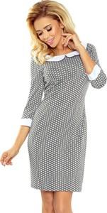 Sukienka NUMOCO w geometryczne wzory dopasowana