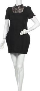 Sukienka Line w stylu casual z okrągłym dekoltem z krótkim rękawem