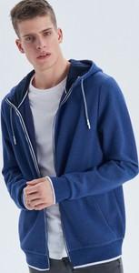 Granatowa bluza Cropp w młodzieżowym stylu