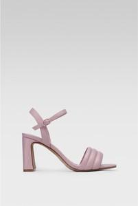 Różowe sandały DeeZee