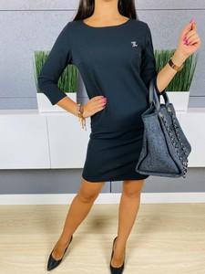 Czarna sukienka ModnaKiecka.pl w stylu casual z okrągłym dekoltem
