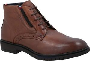 Brązowe buty zimowe Tommy Hilfiger ze skóry sznurowane