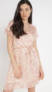 Sukienka born2be z dekoltem w kształcie litery v z krótkim rękawem mini