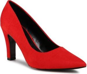Czerwone czółenka Clara Barson