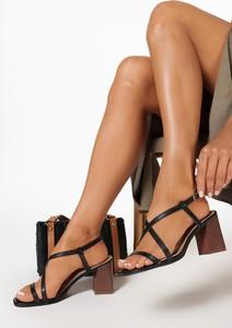 Czarne sandały born2be na średnim obcasie z klamrami